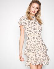 Glamorous Floral Floral Flounce Dress