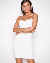 NLY One Hvit Lace Bodycon Dress