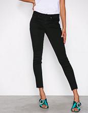 Gina Tricot Black Emma Jeans