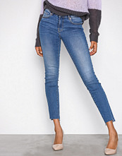 Gina Tricot Mid Blue Emma Jeans