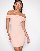 NLY One Lys rosa Bare Shoulder Dress