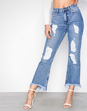 NLY Trend Blue Wash Cheeky Fit Flare Denim