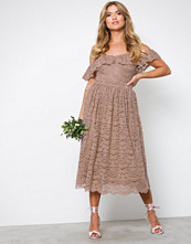 NLY Eve Rose Heavy Lace Midi Dress
