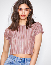 NLY Trend Rose Pleated Tee