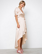 NLY Trend Champagne Satin Wrap Dress
