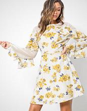Glamorous Cream Flounce Sleeve Dress