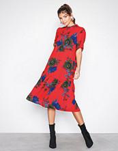 Jacqueline de Yong Mørk Rød Jdysofi S/S Dress Wvn Exp