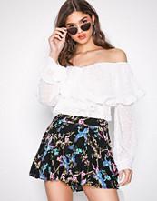 NLY Trend Svartmønstret Flirty Mini Shorts
