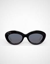 Le Specs Svart Fluxus