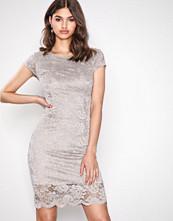 Selected Femme Lys grå Sfcharlotte New Cap Lace Dress Ex