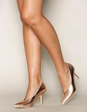 NLY Shoes Metallic V-Cut Pump
