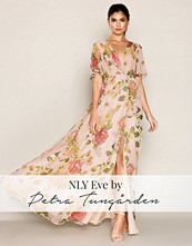 NLY Eve Blomstrete Wide Sleeve Gown