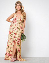 NLY Eve Mønstret Thin Strap Flowy Gown