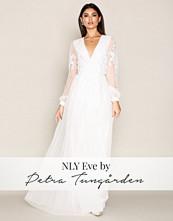 NLY Eve Hvit Flower Trim Mesh Gown