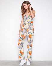 NLY Trend Blomstrete Strappy Print Jumpsuit