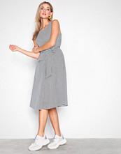 Selected Femme Hvit Slftaya Sl Dress Ex