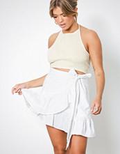 NLY Trend Hvit Wrapped Frill Skirt