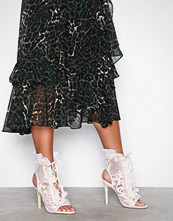 NLY Shoes Offwhite Flounce Bootie