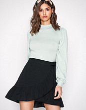 NLY Trend Svart Wrapped Frill Skirt