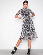 Vero Moda Svart Vmtina Mesh 2/4 Calf Dress Exp