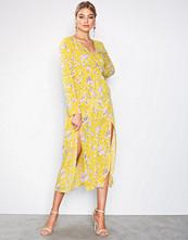 Ax Paris Floral Long Sleeve Dress
