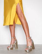 NLY Shoes Light Gold Platform Strap Sandal
