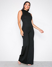 NLY One Svart Exposed Back Jumpsuit
