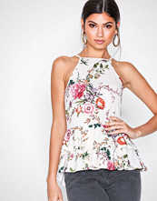 NLY Trend Blomstrete Strappy Frill Top