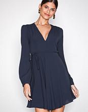 Glamorous Navy Blue Long Sleeve Flounce Dress