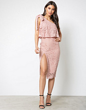 Missguided Rose One Shoulder Lace Dress