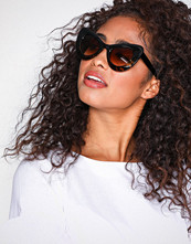 NLY Accessories Brun Brille Sunglasses