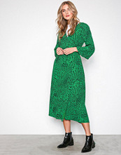 Gestuz Green Loui dress