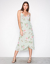 New Look Green Floral Wrap Front Midi Dress