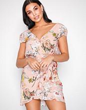 River Island Light Pink SS Waisted Short Dress