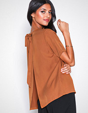 Selected Femme Slftonia Ss Back Tie Top B