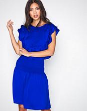 Munthe Blue Priya