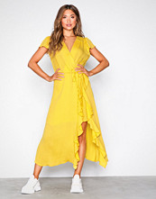 River Island Yellow SS Waisted Midi Dress