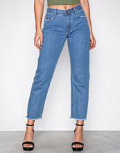 Missguided Vintage Blue Denim Mid Rise Clean Cut Hem Jeans