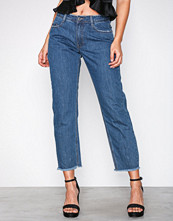 Missguided Blue Mid Rise Clean Cut Hem Jeans