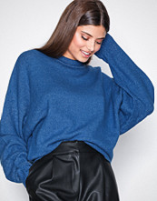 NLY Trend Blue Sleeve Focus Knit
