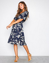 Jacqueline de Yong Mørk blå Jdyelliot S/S Wrap Dress Wvn