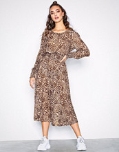 Sisters Point Leopard Ezora Dress