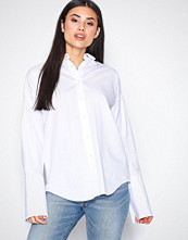 Gant White O1. Oversized Broadcloth Shirt