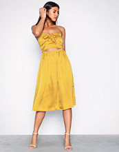 Missguided Satin Halterneck Cut Out Midi Dress