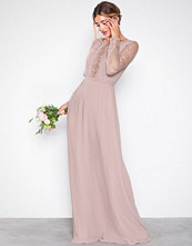 NLY Eve Rose Lace Insert Gown