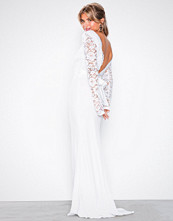 NLY Eve Hvit Open Back Bow Gown