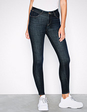 Wrangler Super Skinny Dark Night