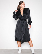 Hope Black Split Puff Dress