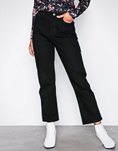 NLY Trend Cheeky Fit Straight Leg Denim