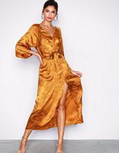 NLY Trend Rustbrun Long Jacquard Dress